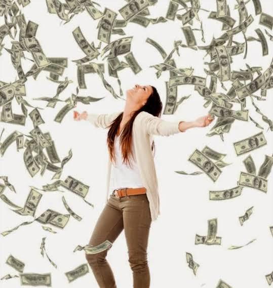 Mulheres casadas com dinheiro.