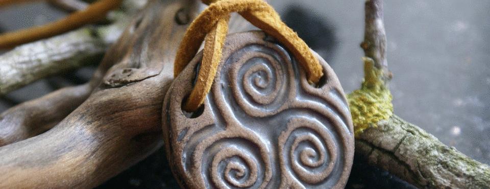 Crônicas de D. Darluz: Culto aos Antepassados, Egregora e o Sagrado de Tudo