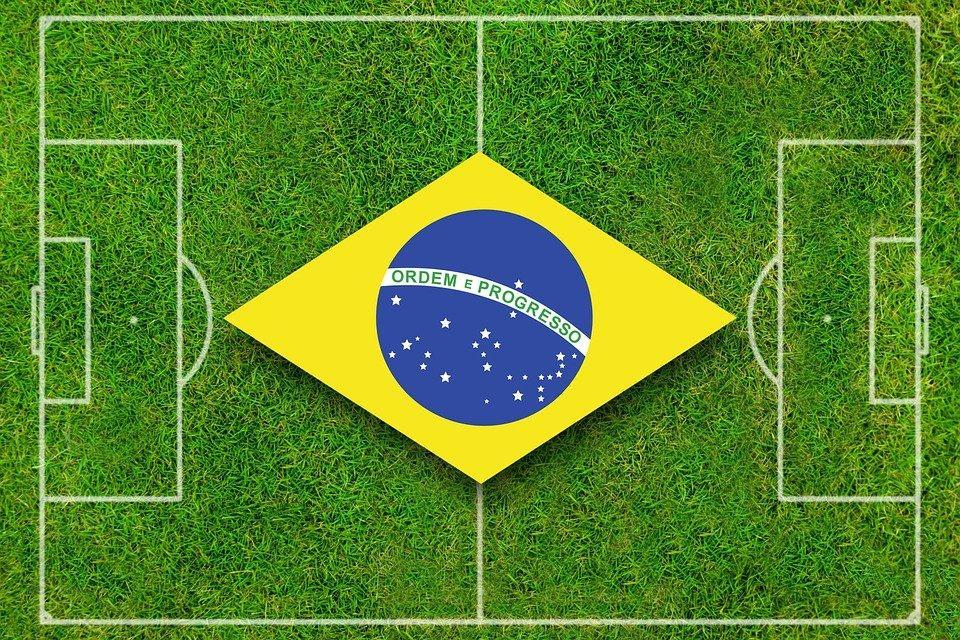 Contratar técnico estrangeiro é a solução para o futebol brasileiro?
