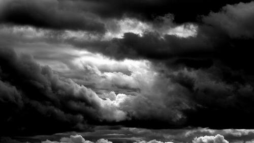 Sombras que vocalizam quererdes(Entre sombras e nuvens)