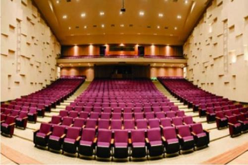 Todo teatro tem seu fantasma